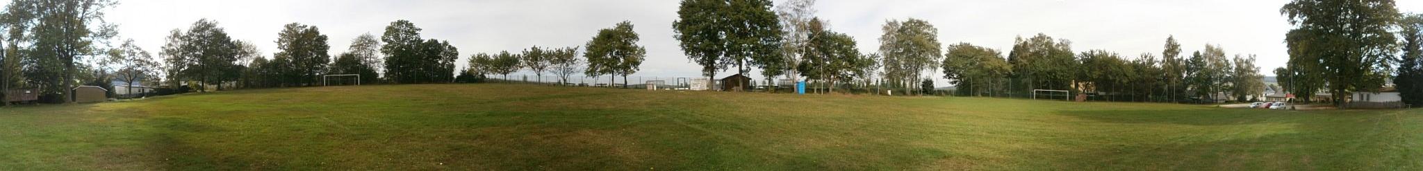 Schrägster Sportplatz in Kleinolbersdorf